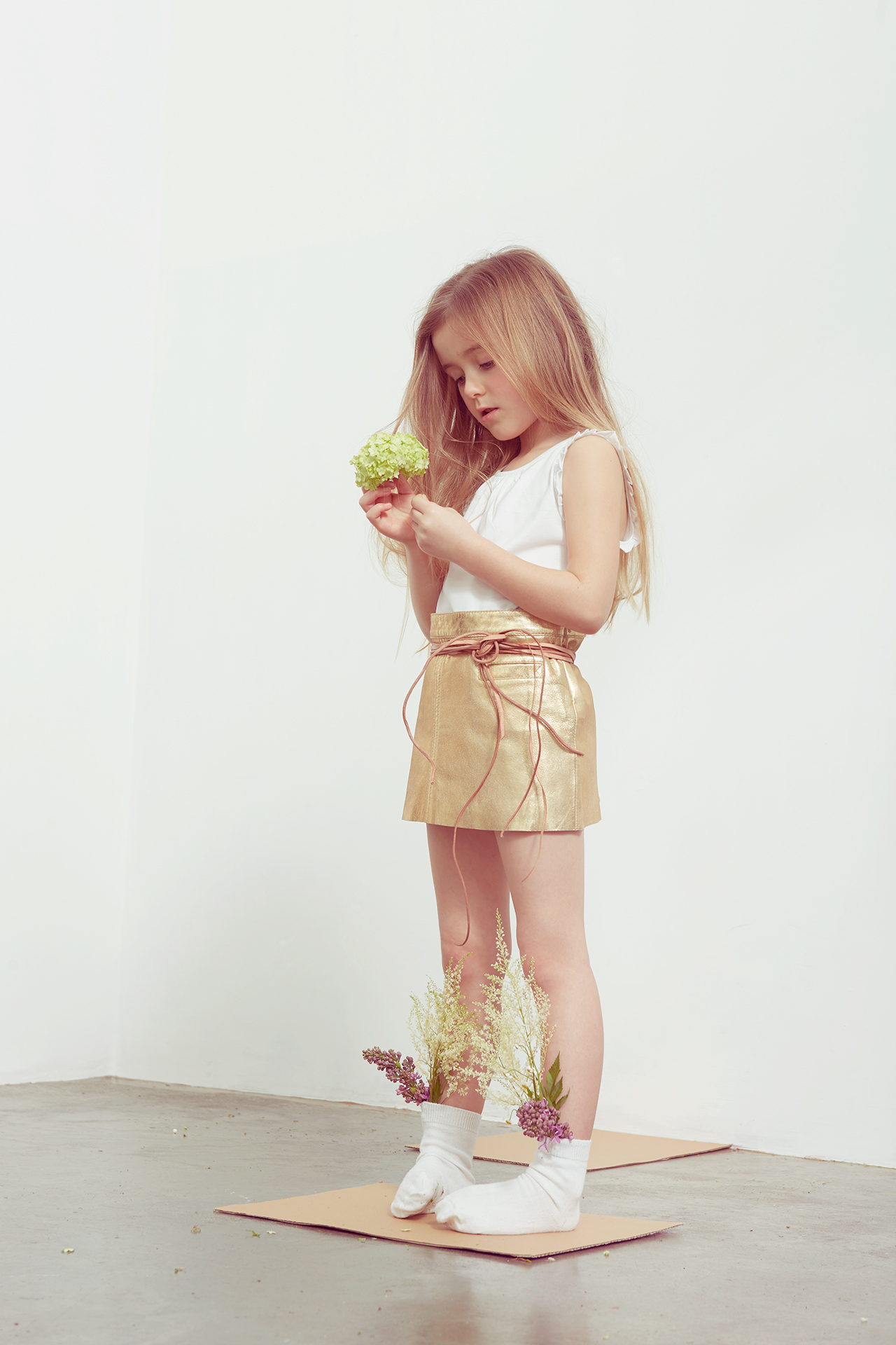 Milk magazine_kids fashion_botanical girl 9