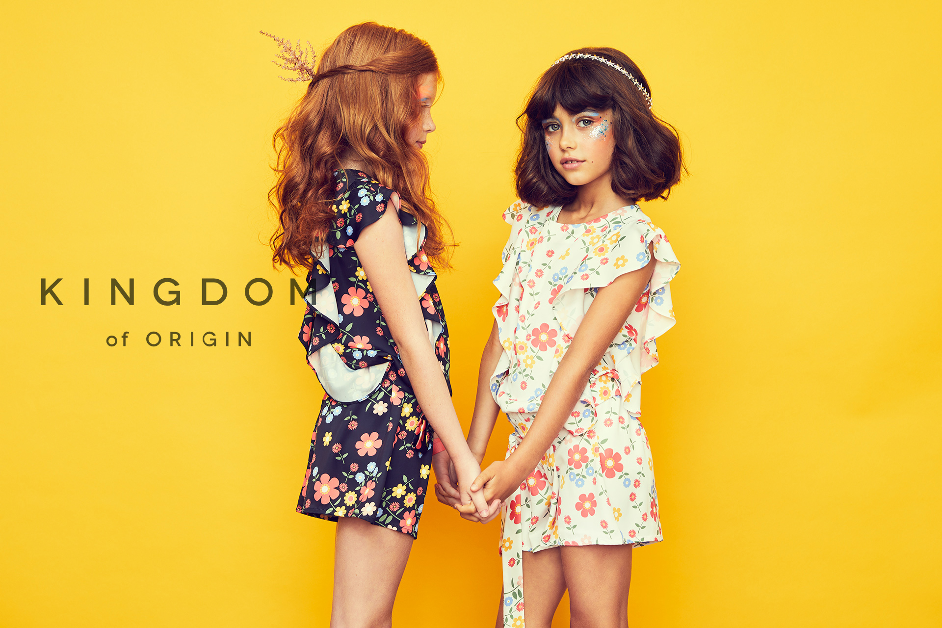 KOO girl kids fashion friends holding hands