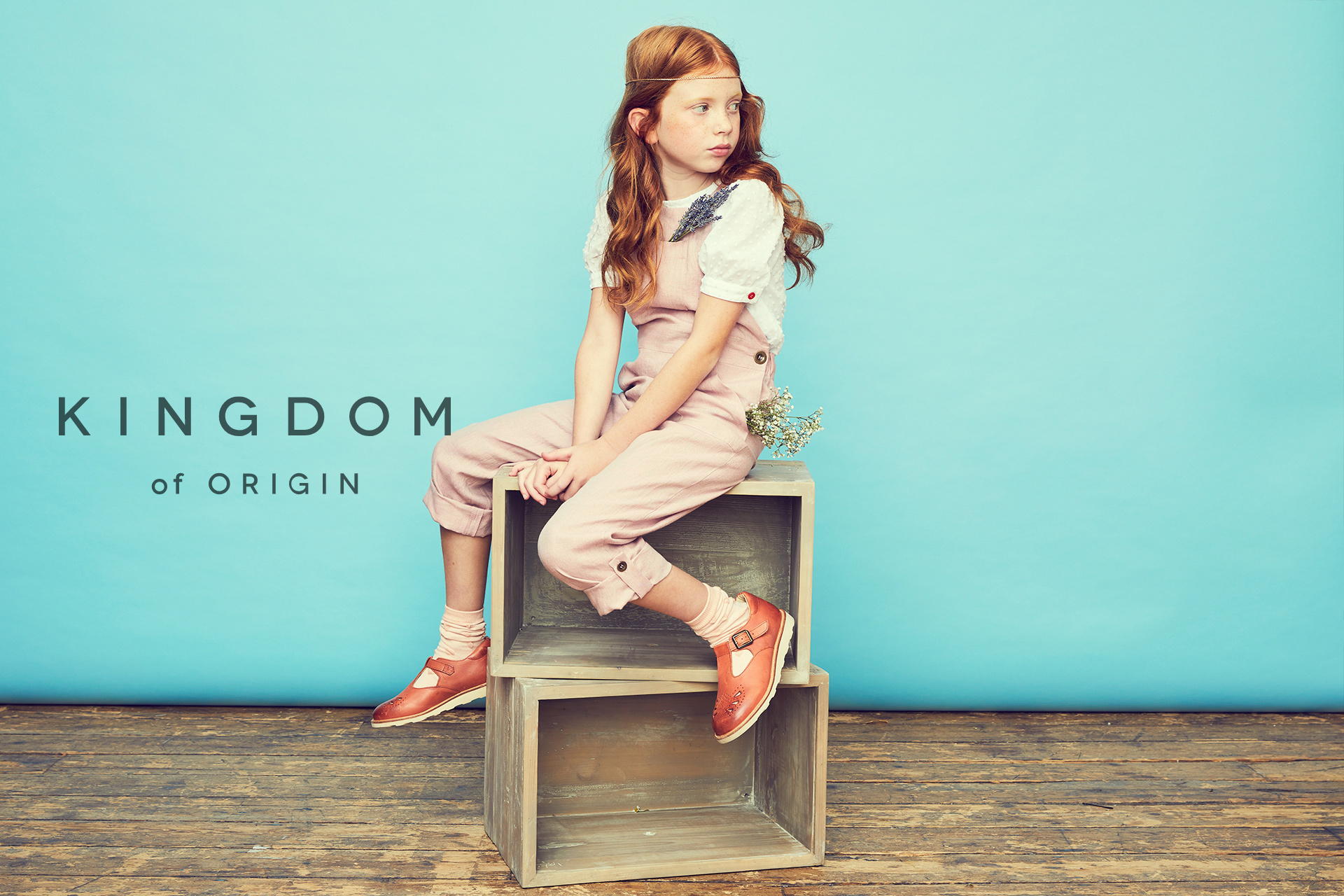 KOO girl kids fashion sitting on boxes